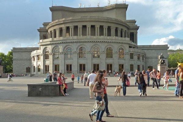 Ermənistanda koronavirusa yoluxanların sayı 850-ni ötdü