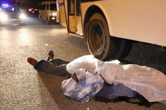 Bakıda marşrut avtobusu piyadanı vuraraq öldürdü