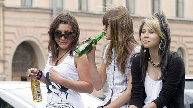 Siqaret və spirtli içki aludəçiləri daha diqqətli olmalıdırlar - RİSK QRUPU