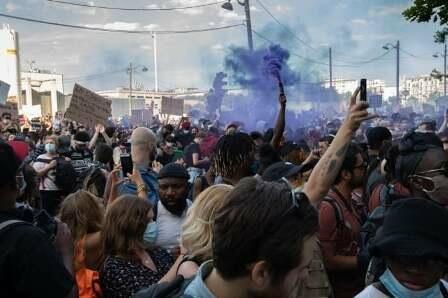 Fransada xalq ayağa qalxdı: daha bir qaradərili ölümü