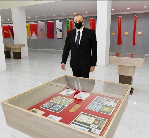 İlham Əliyev tibbi maska taxdı - Foto