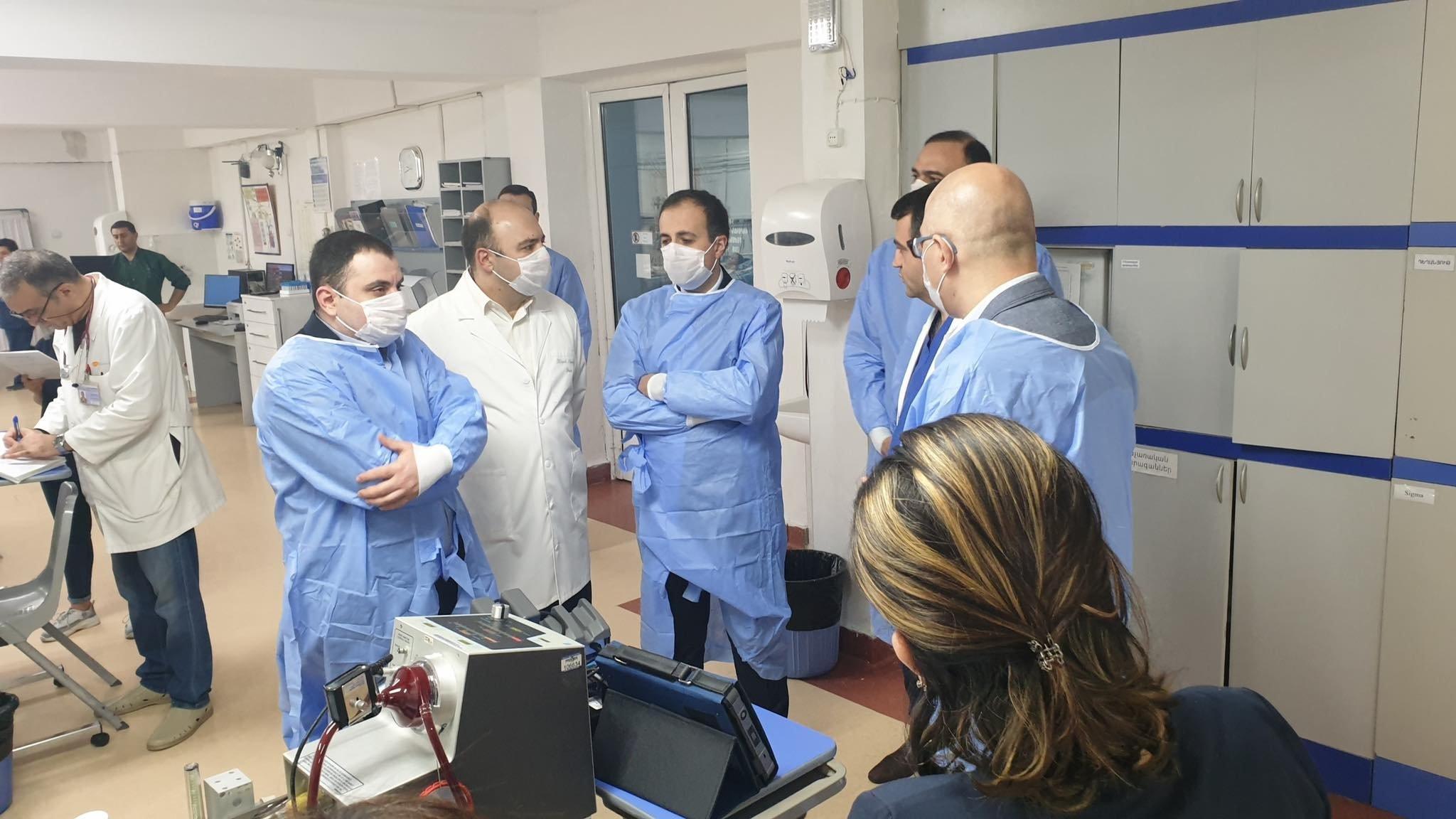 Ermənistanda son sutkada 663 nəfər koronavirusa yoluxdu, 5 nəfər öldü