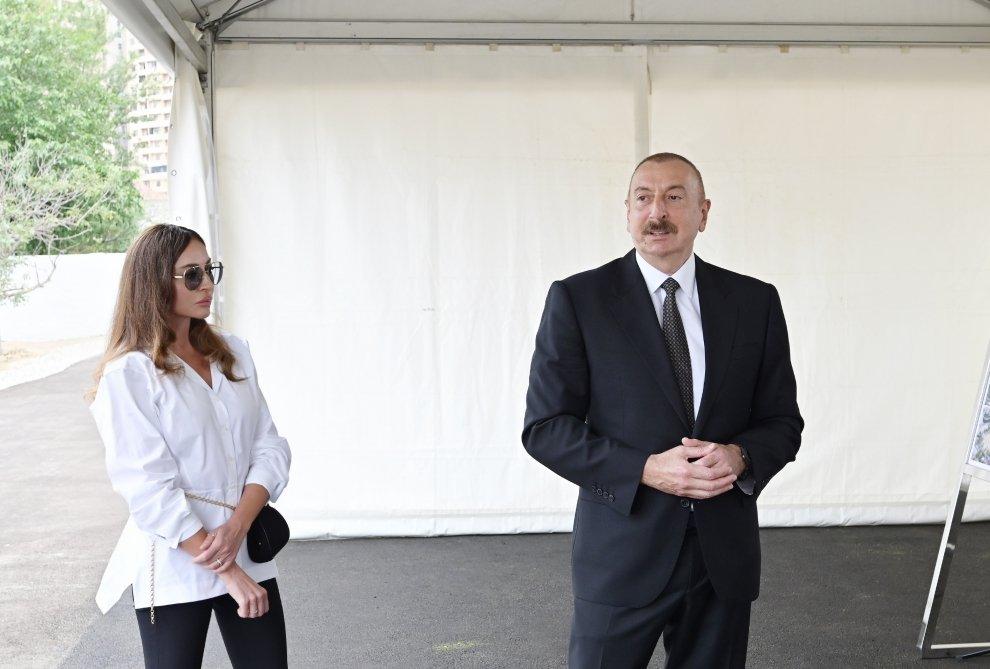 Prezident və birinci xanım Bakıda salınan meşə tipli yeni parka baxdılar - FOTO