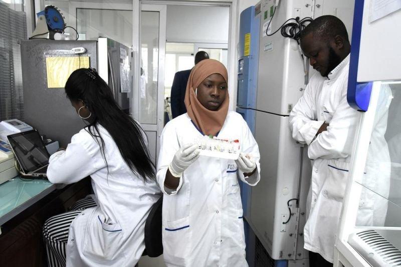 Dünyada koronavirusa yoluxanların sayı 20 milyon nəfəri ötüb