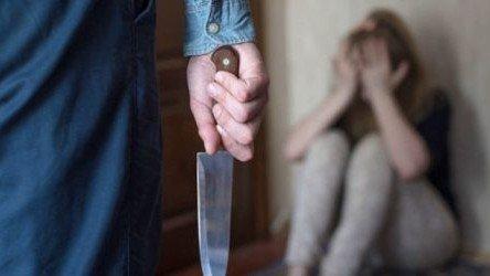 Xaçmazda ər arvadını bıçaqladı