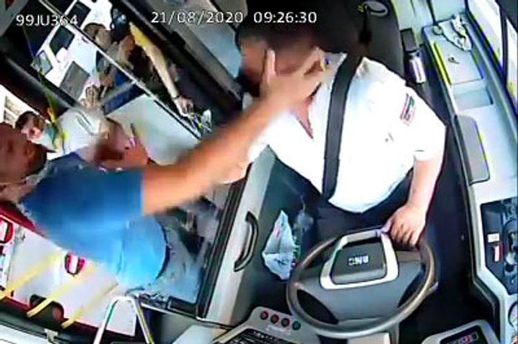 Avtobus sürücüsünü maskaya görə vuran şəxs saxlanıldı - VİDEO