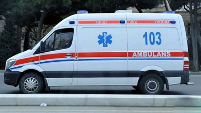 Sərxoş sürücü avtomobili ağaca çırpdı: 3 ölü, 2 yaralı