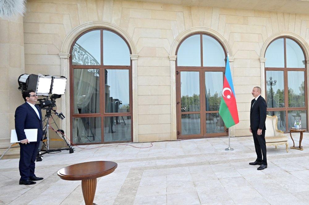 İlham Əliyev İranın yeni səfirinin etimadnaməsini qəbul etdi