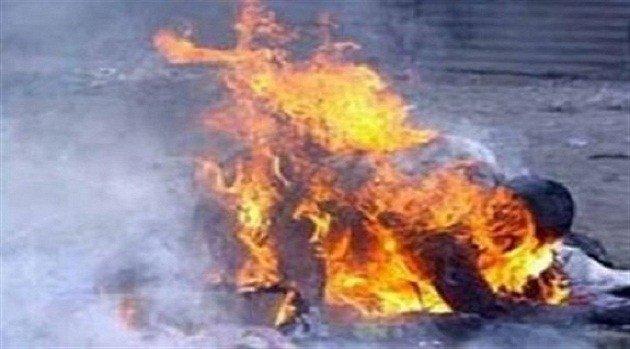 50 yaşlı kişi Bərdə İH-in qarşısında özünü yandırd