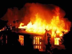 Salyanda ev yandı, sahibi öldü