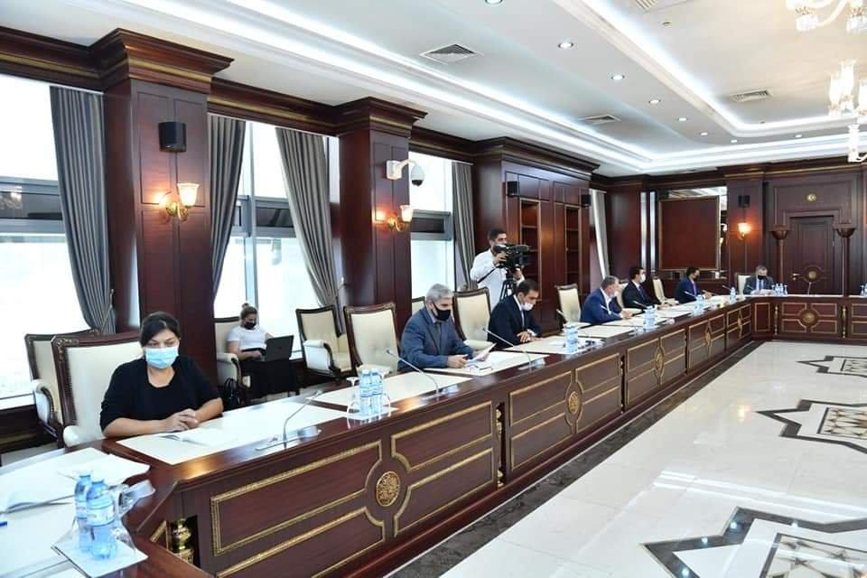 Görülən işlərə dair hesabat təqdim olunub - Parlamentin komitəsinin iclası keçirilib