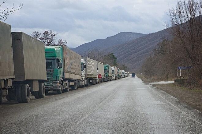 Ermənistana silah daşıyan maşın Gürcüstanda saxlanıldı