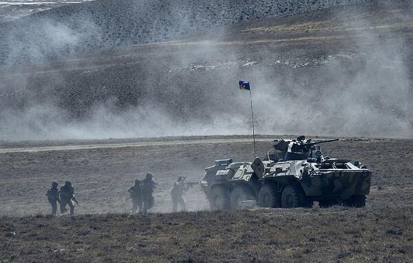 Ordumuz müxtəlif istiqamətlərdə irəliləyib - Rəsmi