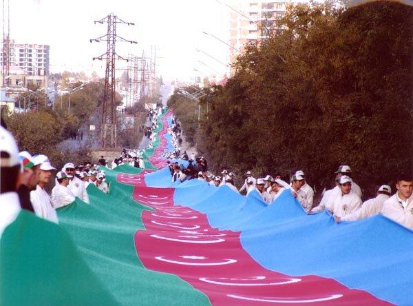 Bu gün Dünya Azərbaycanlılarının Həmrəyliyi Günüdür