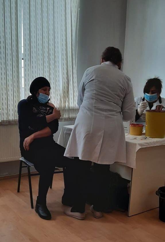 Bərdədə uşaq bağçaları əməkdaşları vaksinasiya olunurlar