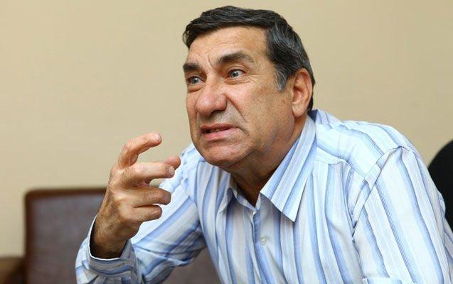 Arif Quliyev vəfat etdi
