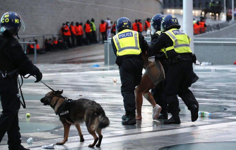 Polis İtaliya-İngiltərə matçına görə 86 nəfəri həbs etdi