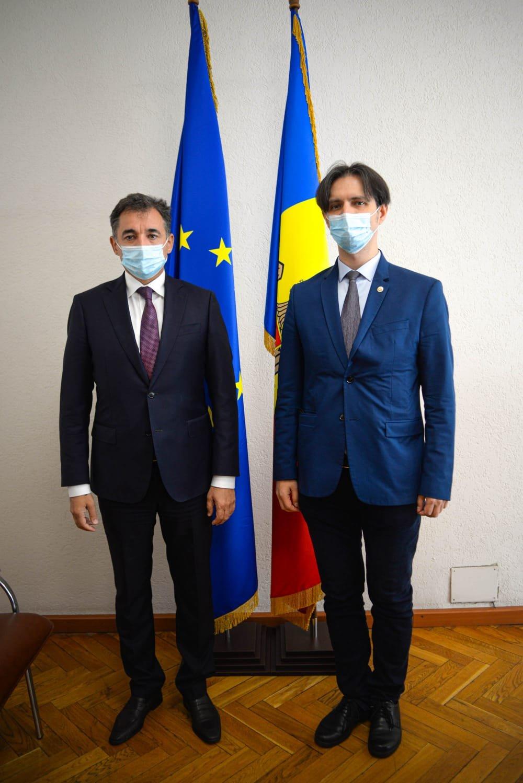 Səfirimiz Moldovanın iqtisadiyyat naziri ilə görüşüb